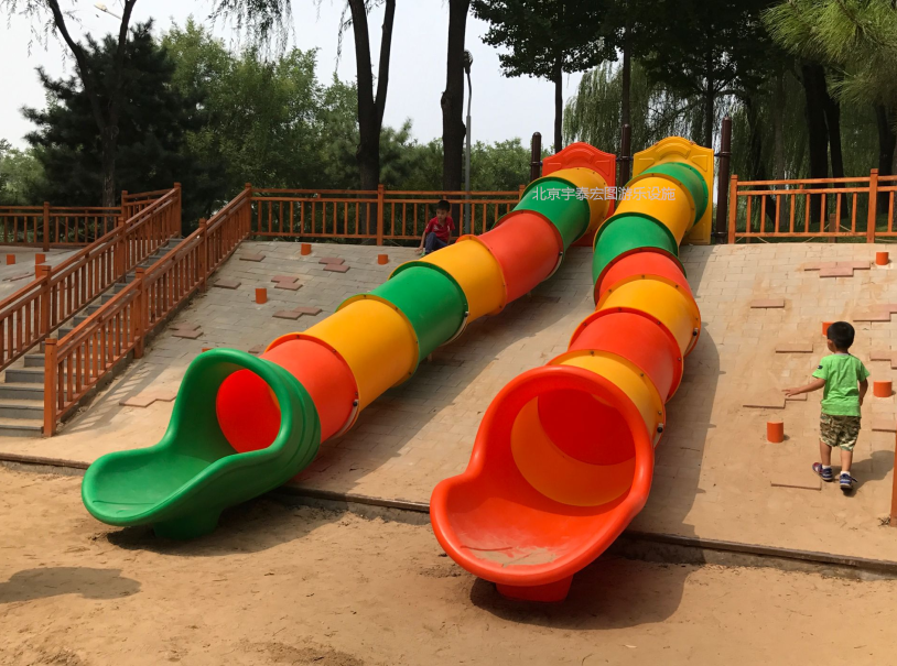 北京海淀区长春健身园儿童区